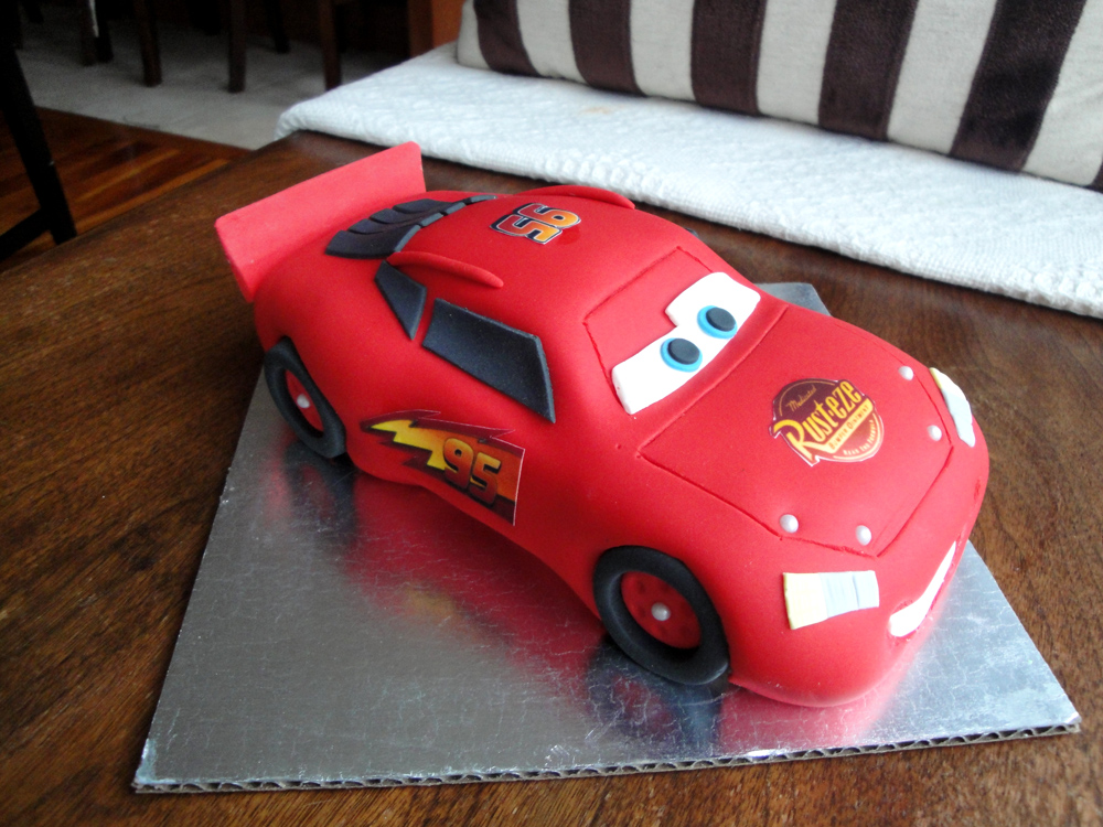 Car Cake Images Download : Cars Lightning Mcqueen Cake www.pixshark.com - Images ...