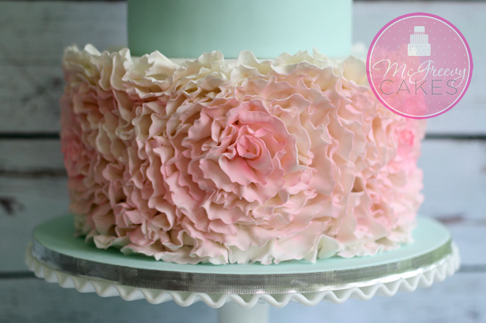 how to make ruffles on a cake with fondant
